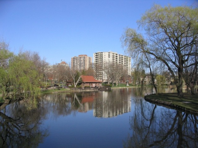 Kitchener Lake
